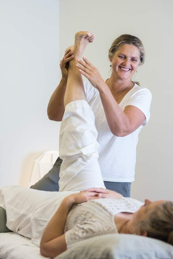 Wendy Madgwick Physiotherapist practicing physiotherapy